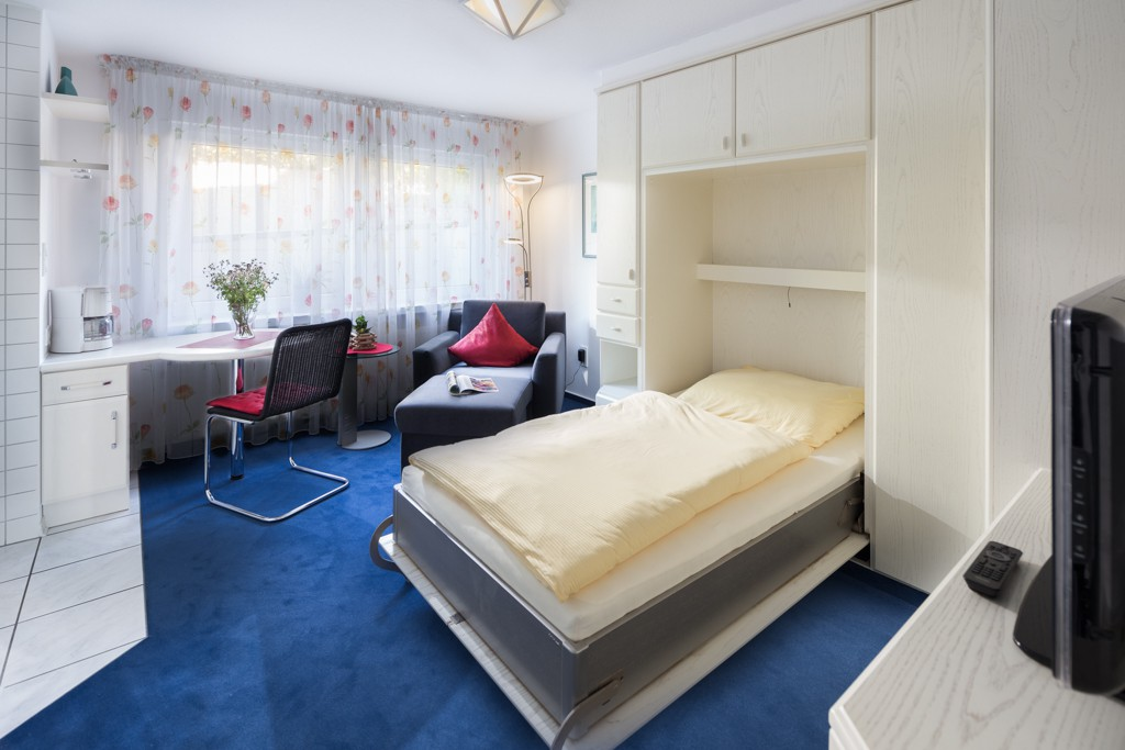 ginster strandfliederhaus. Black Bedroom Furniture Sets. Home Design Ideas